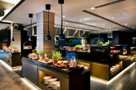 Restaurants and Bars in Le Meridien Dubai